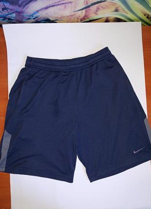 Nike спортивные трикотажные шорты,р-р м,можно неполную л,оригинал