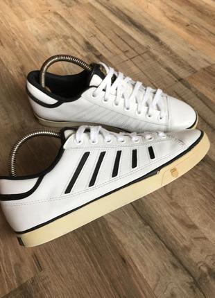 Кожаные кроссовки кеды