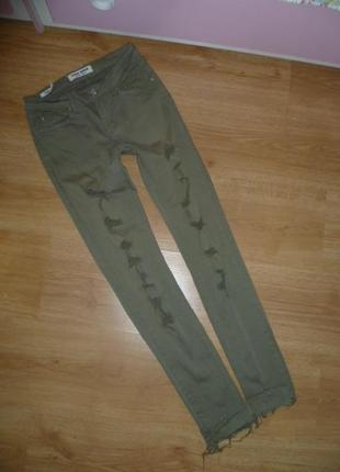 Рваные джинсы tally weiil