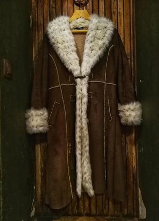Style collection. великолепная дубленка с мехом под рысь, с вышивкой, искусственная