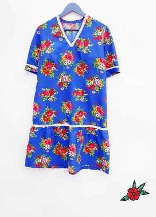Винтажное платье с воланом платье миди очень красивое