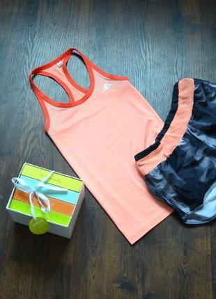 Крутой фирменный наборчик   шорты +майка для занятий спортом,фитнесом,бегом