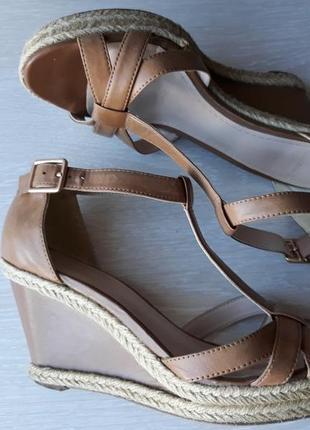 Женские босоножки Clarks 2019 - купить недорого вещи в интернет ... 3628764a48e44