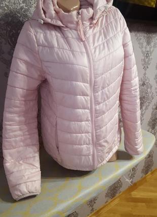 Увага!!!шикарна курточка весняна на 44-48р