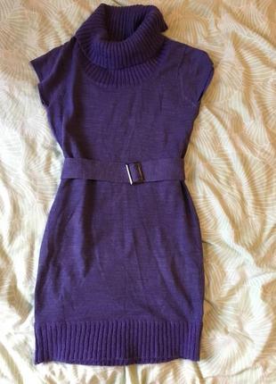 Фиолетовое вязанное платье