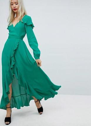 Бомбезное зелёное чайное макси платье с оборками и длинным рукавом на запах