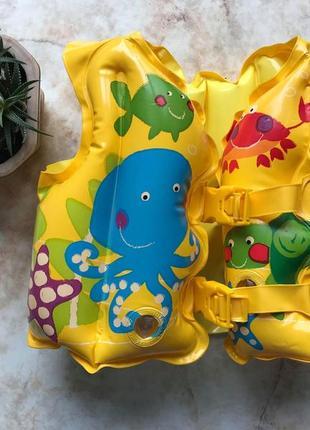 Жилет для плавания плаванья intex на возраст 2-5 лет