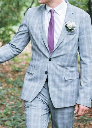 Мужской приталенный костюм