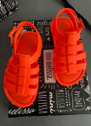 Детские ярко-оранжевые босоножки melissa mini