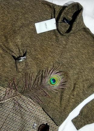 Бомбезный объемный свитерок с горлом от zara (новый с биркой)