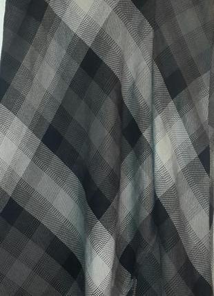 Стильная юбка с разрезом  миди размер -m