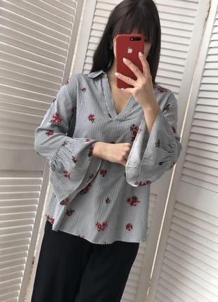 Шикарная блуза с воланами размер м