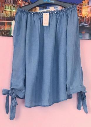 Натуральная блуза с бусинами подойдет на 16-20 размер
