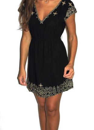 Черное платье с красивой вышивкой! --срочная уценка товара --
