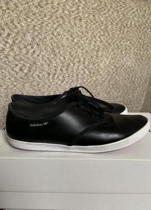 Черные кожаные кеды adidas 40 размер -- срочная уценка !