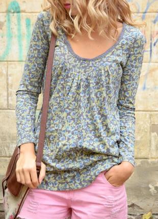 Трендовая блуза в цветочный принт свободного кроя