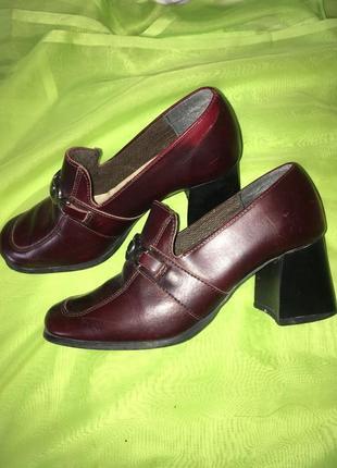 Туфли италия\кожа\39 р