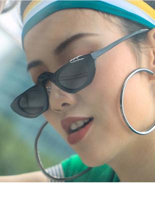 Стильные очки с металлическими кольцами новинка 2019 чёрные неформальные рок