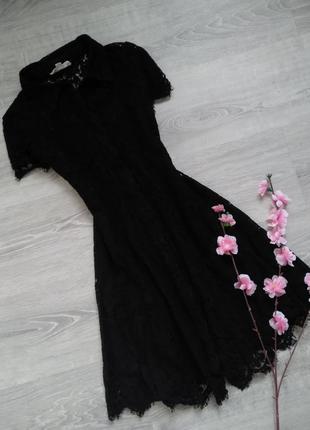Ажурное кружевное маленькое черное платье