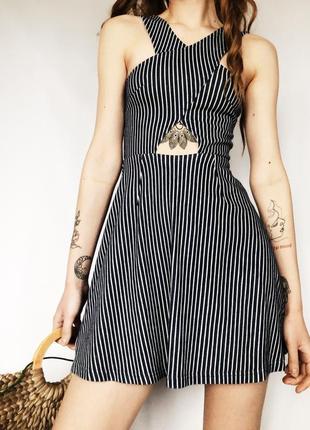 Женственное мини платье в полоску от topshop