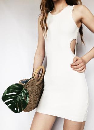 Стильное белое платье с вырезами по боках от topshop