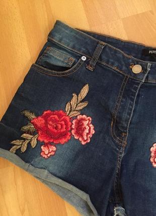 Джинсовые шорты с вышивкой asos