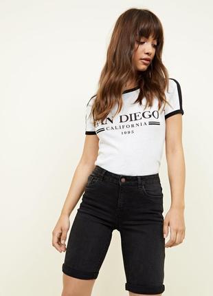 Длинные черные стрейтчевые джинсовые шорты высокая посадка new look