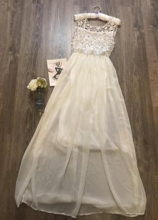 Нарядное платье с ажуреым верхом