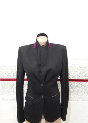 Роскошный  трикотажный пиджак,стильный,актуальный