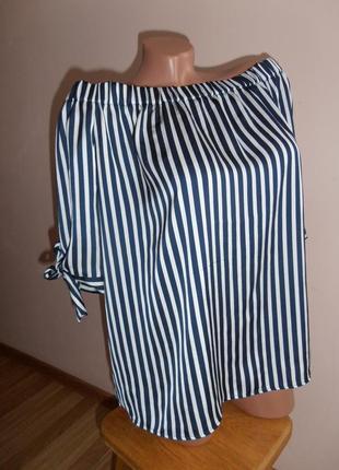 Стильная наплечная блузка в полоску