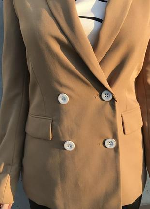 Удлиннённый пиджак bershka