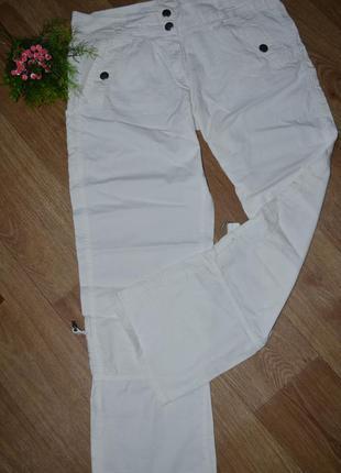 Белые , стильные штаны - бриджи трансформеры  от next с карманами.