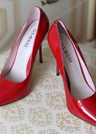 Красные туфли glossi