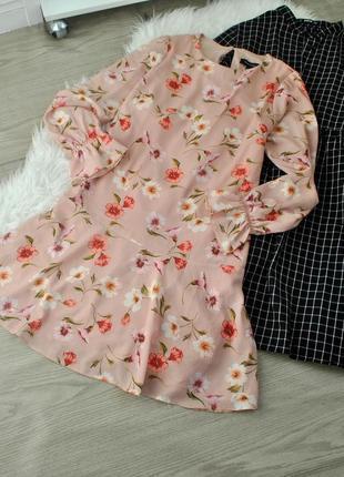 Чарівне пудрове платья