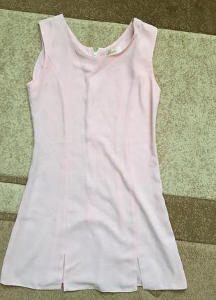 Нежно розовое платице платье