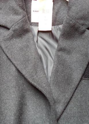 Новое серое пальто на размер л2 фото