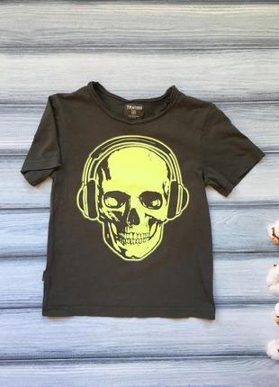 Модна футболка terranova на 4-5 рочків