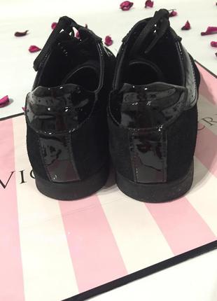 Качественные замшевые ботинки4 фото