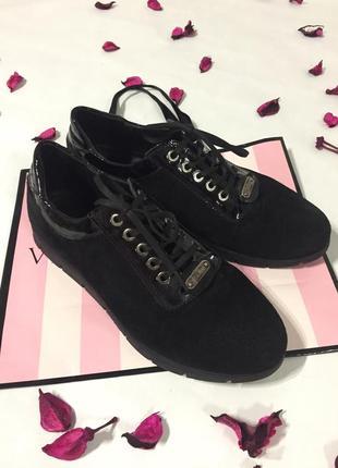 Качественные замшевые ботинки5 фото