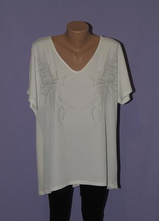 Белая футболка со стразиками 20 размера