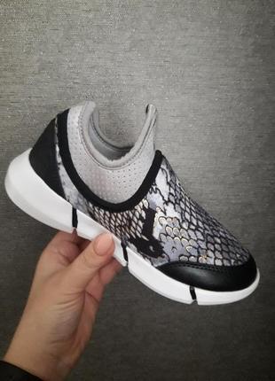 Кроссовки в наличии распродажа2 фото
