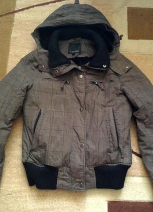 Фирменная крутая зимняя куртка amisu! очень теплая!