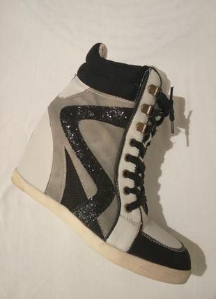 New look сникерсы фирменные кроссовки