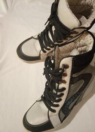 New look сникерсы фирменные кроссовки1 фото