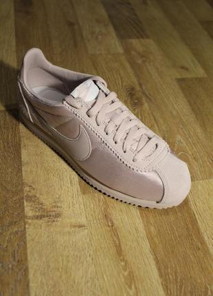 Шикарні кросівки nike wmns classic cortez nylon кроссовки