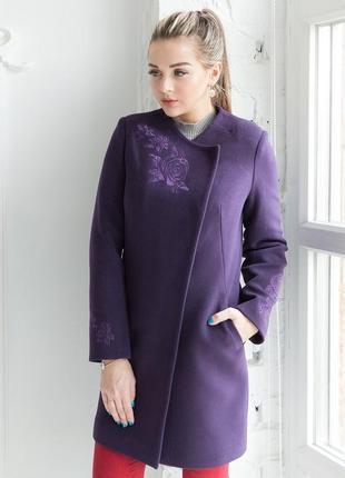 Распродажа! весеннее красивое пальто с вышивкой размер 44