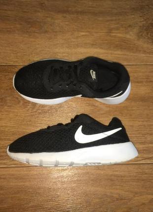 Легкие кроссовки nike tanjun, оригинал, р-р 33, ст 21,5 см