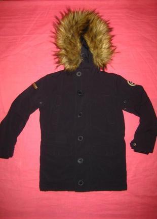 Теплая плотная курточка napapijri (оригинал) на 6 -7 лет