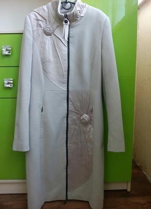 Шикарное кашемировое пальто с атласными вставками