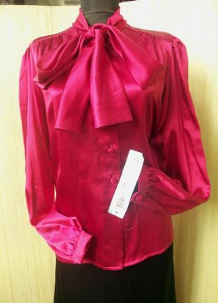Шелковая блуза в деловом стиле